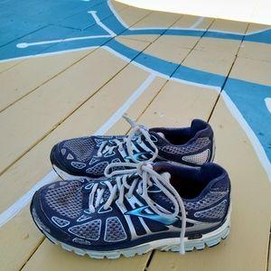 Brooks blue Ariel sneakers shoes size 7.5